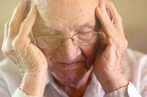 perbedaan alzheimer dan demensia